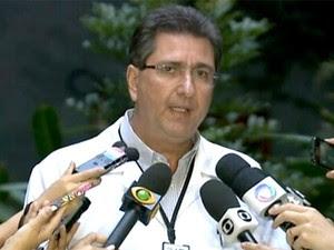 Subsecretário Roberto Bittencourt afirma que taxista não morreu por H1N1 (Foto: Reprodução/TV Globo)