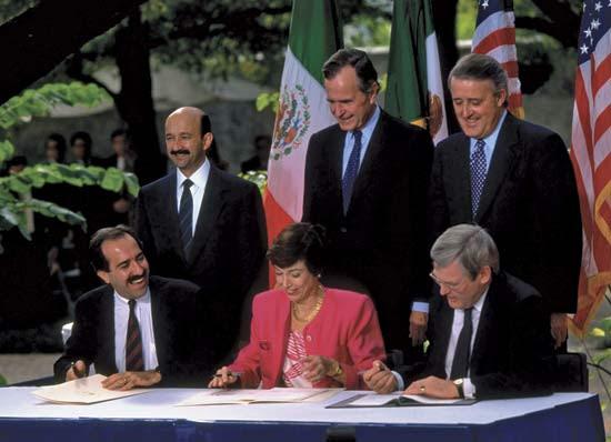 Από την τελετή υπογραφή της NAFTA