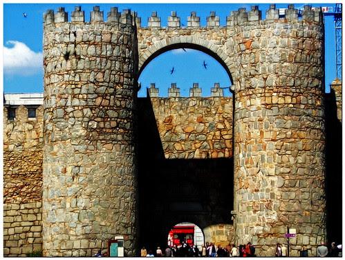 Ávila: puerta del Alcázar