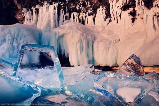 Παγωμένη λίμνη Baikal στη Σιβηρία (21)