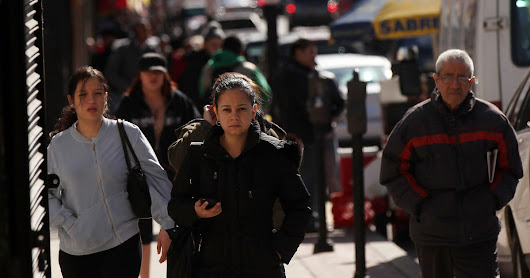 U.S. Latino population growth slips behind Asian-Americans, study says