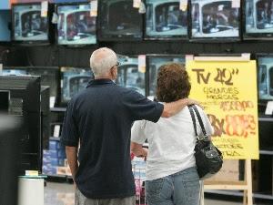 classe média, consumo, compras, salário, loja - 300 x 225