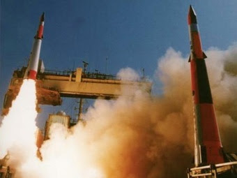 Старт ракеты Arrow-2. Фото с сайта machinedesign.com
