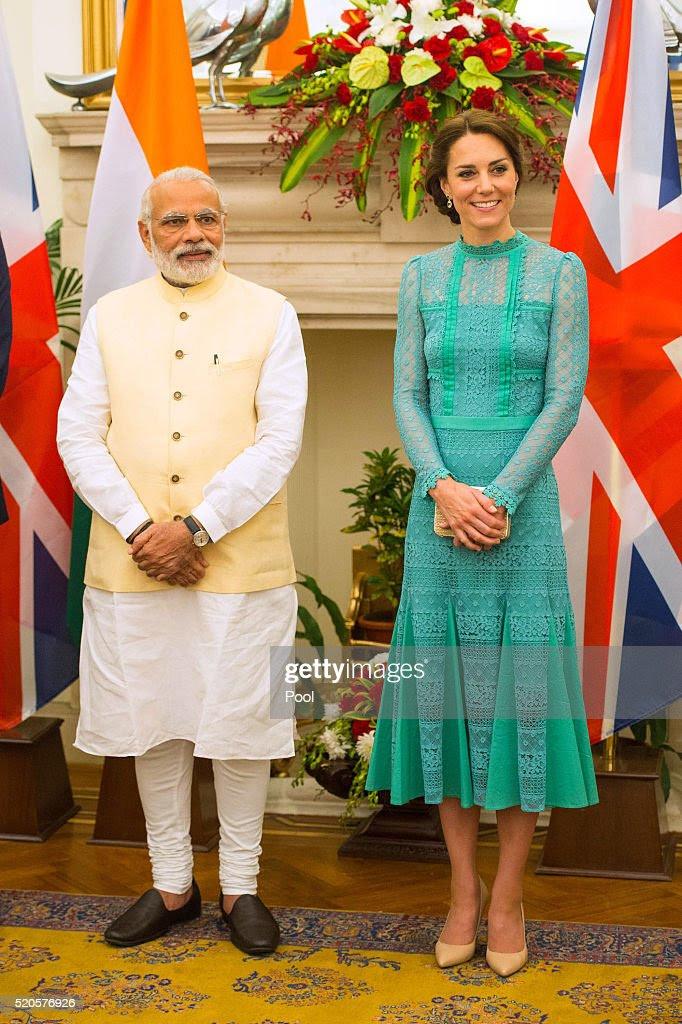 Katarzyna, księżna Cambridge spełnia premier Indii Narenda Modi w New Delhi, Hyderabad Domu w dniu 12 kwietnia 2016 roku w New Delhi, Indie.  Książę i księżna Cambridge są na tygodniową wycieczkę Indie i Bhutan biorąc w Bombaju, Delhi, Assam, Bhutanu i Agra.