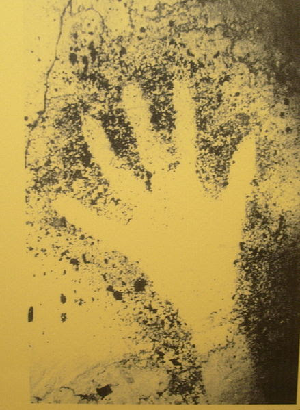 File:Prehistoric Hand Outline Cosquer Cave.JPG