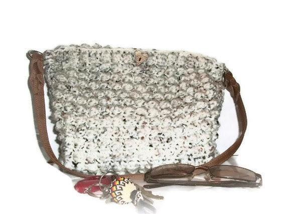 Off-White Crocheted Handbag in Popcorn Stitch - MadeforMebyOaklie