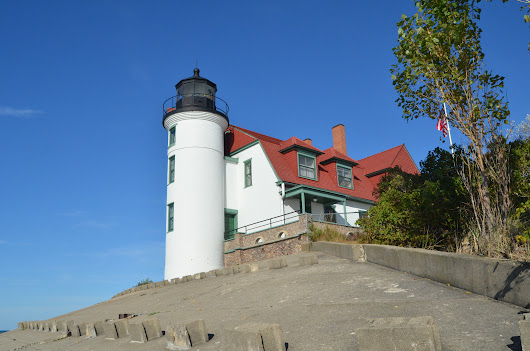 Photo Gallery Friday: Point Betsie Lighthouse Tour - Travel the Mitten