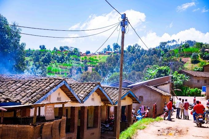 Rubavu: Imibereho y'abatuye ingo zisaga 8.100 ziri kugezwaho amashanyarazi yatangiye guhinduka -