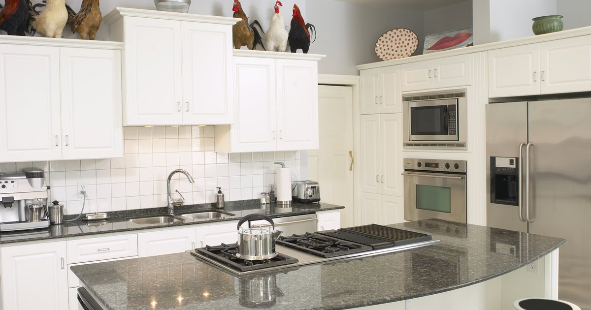 How to prevent grease buildup on kitchen cabinets   eHow UK