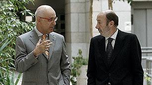 Ver vídeo  'Rubalcaba anuncia que presentará una moción de censura si Rajoy no comparece por el 'caso Bárcenas''