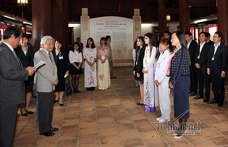nhà vua Nhật Bản, Nhật hoàng, hoàng hậu Nhật Bản, Nhà vua Nhật Bản thăm Văn miếu