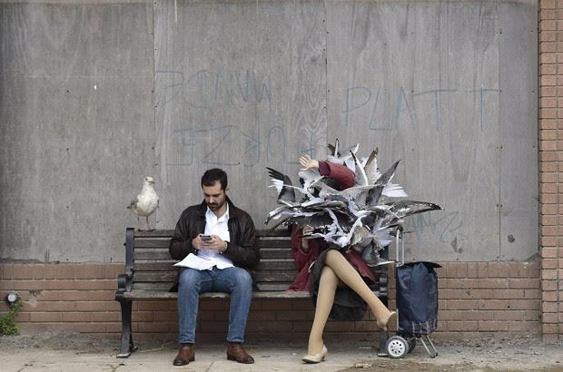 Escultura em 'parque temático' que fa sátira da Disney, criado por Banksy na Inglaterra (Foto: Reuters/Suzanne Plunkett)