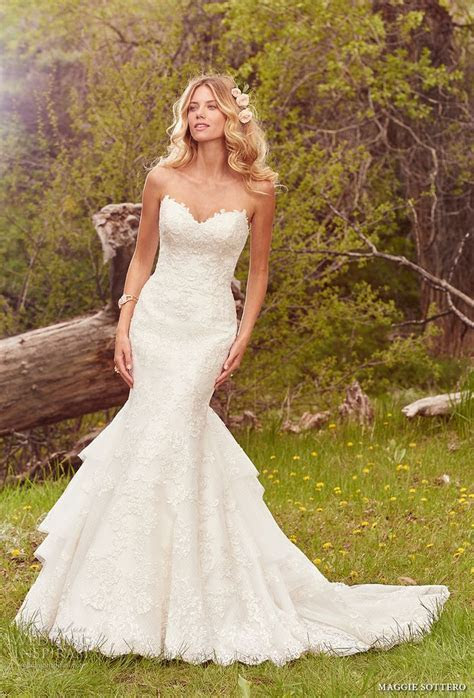 1000  images about Wedding Gowns on Pinterest   Maggie