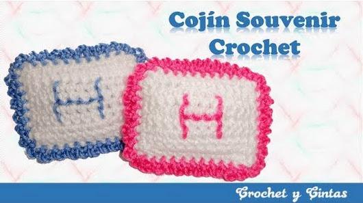 En este video se explica cómo hacer estos cojines crochet, ideales