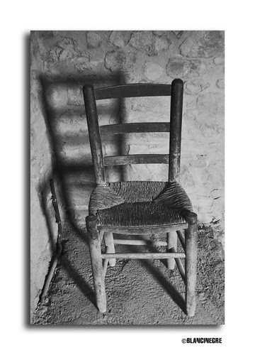 La vella cadira-The old chair