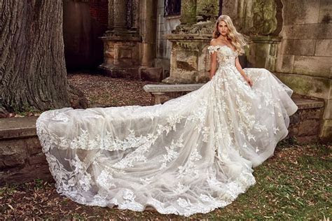2019?We are swooning over the new Eve of Milady bridal