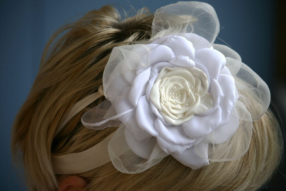 White-ivory Bride FLOWER- usable pin in hair-necklace-belt