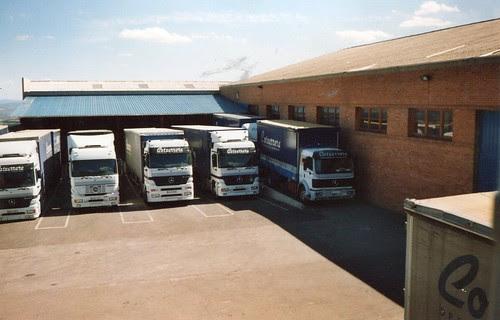 Camions Mercedes Benz de l'empresa TRANSPORTS COTXARRERA de Gironella (Berguedà)