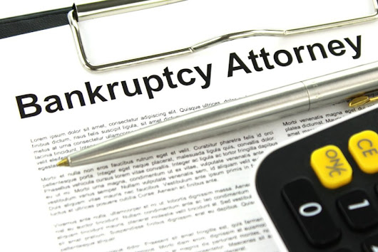 Bankruptcy Lawyers Vs. Bankruptcy Trustees