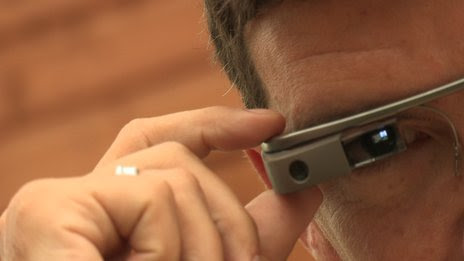 BBC News - Google Glass sales halted but firm says kit is not dead