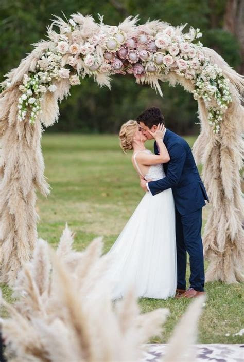 Amazing Dream Catcher Style Circular Floral Wedding