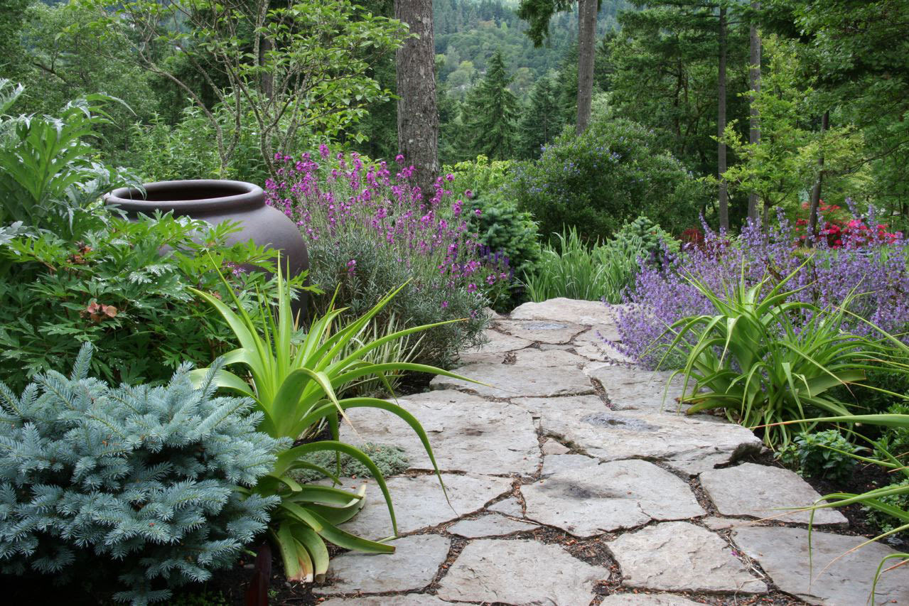 Backyard ideas for small yards on a budget - large and beautiful