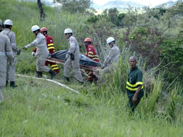 Segundo PRF, pelo menos oito pessoas morreram no acidente, no Espírito Santo (Foto: Reprodução/TV Gazeta)