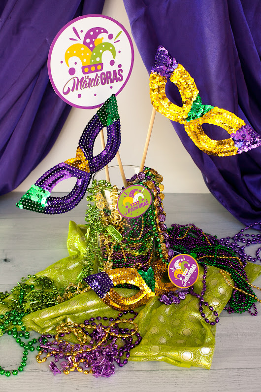 Easy Mardi Gras Centerpiece - Frog Prince Paperie