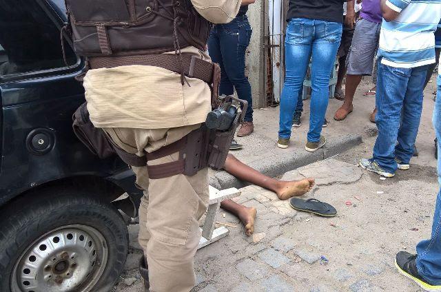 4 pessoas assassinadas na segunda-feira; animal de estimação também foi alvo