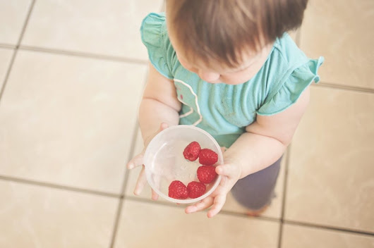 Feeding Your Baby a Healthy Diet on a Budget - Mama Hippie
