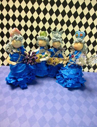 Ice Tree Queen Ornament Dolls! 16