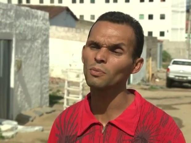 Sem dinheiro, Clebson Cavalcante teve que sair da casa onde morava com a mulher (Foto: Reprodução/TV Paraíba)