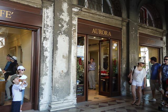 Aurora Caffe'