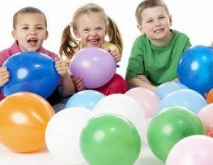 Juegos con globos y cumpleaños infantiles