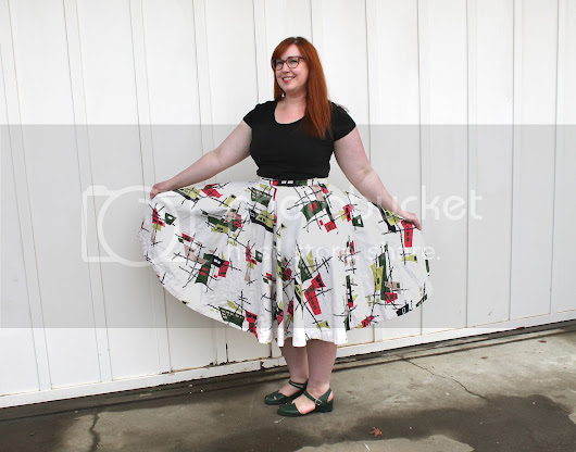 Sewing Project: How to Enlarge a Vintage Circle Skirt
