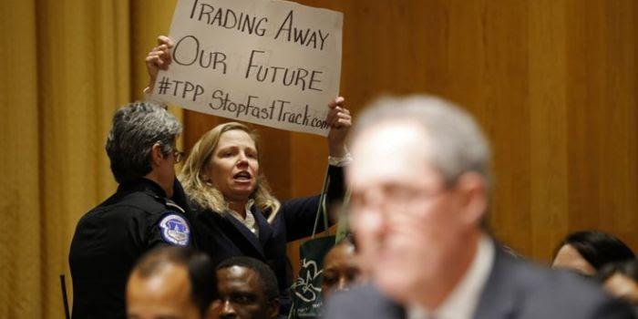 Una battuta d'arresto per il TTIP grazie ai senatori democratici Usa