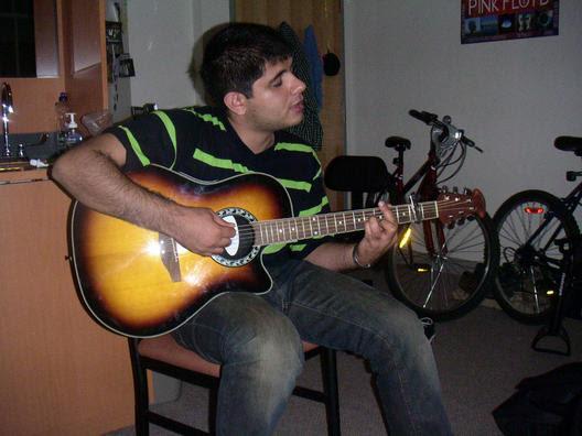 Siamak Tazari playing Visions of Johanna