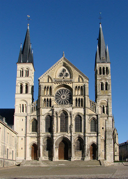 Fichier:Façade Basilique Saint-Remi Reims 130208.jpg