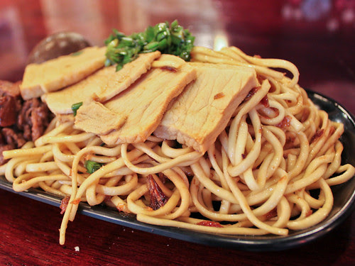 Hakka oil noodles
