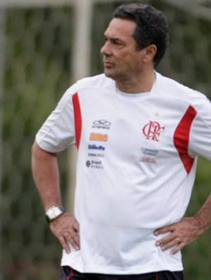 Vanderlei Luxemburgo no treino do Flamengo (Foto: Jorge William/Agência O Globo)