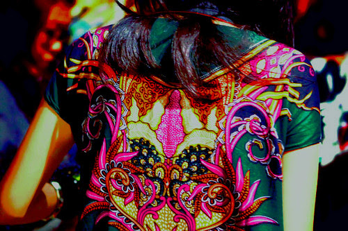 Bold and Beautiful, Batik.