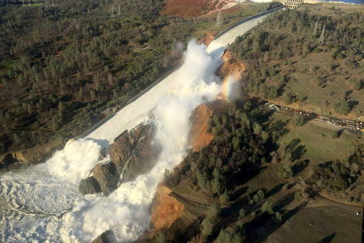 Nearly 190,000 ordered to evacuate in California dam spillway failure