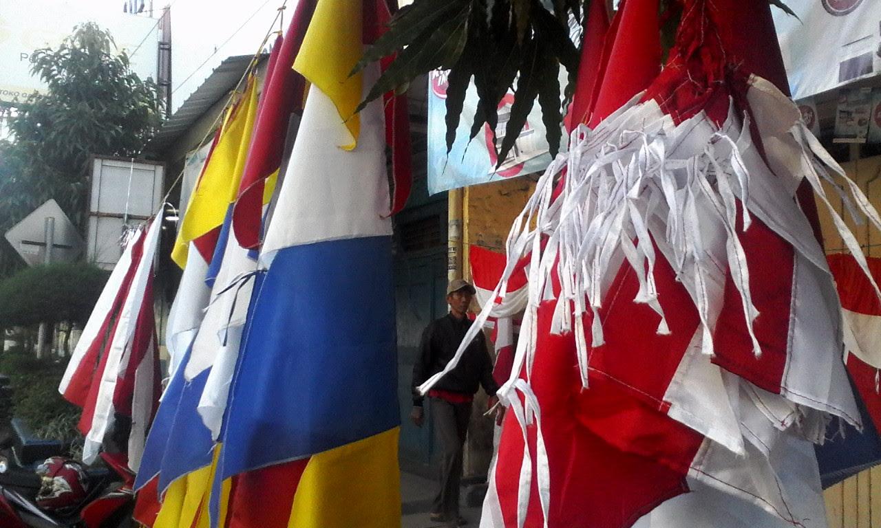 88+ Gambar Anak Kecil Bawa Bendera Merah Putih HD