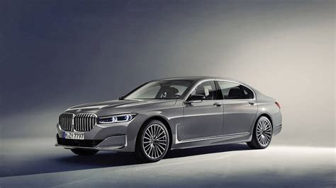 bmw  series sedan updated luxury automoto tale
