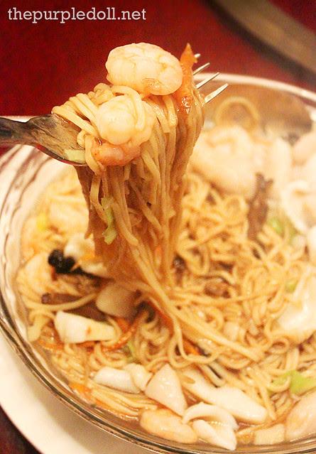 Seafood E-fu Noodles at Xin Tian Di
