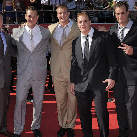 Rob Gronkowski and Family to Appear on Episode of 'Family Feud'