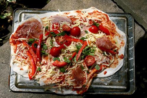 Ham and pepper pizza