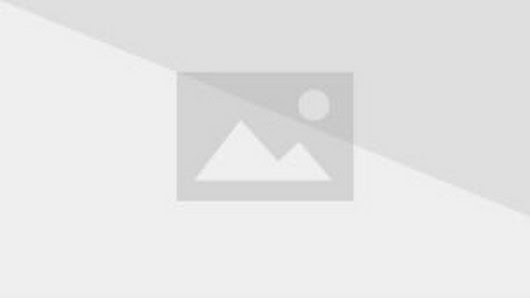 No, please don't kill me, Mr. Ghostface, I wanna be in the sequel!