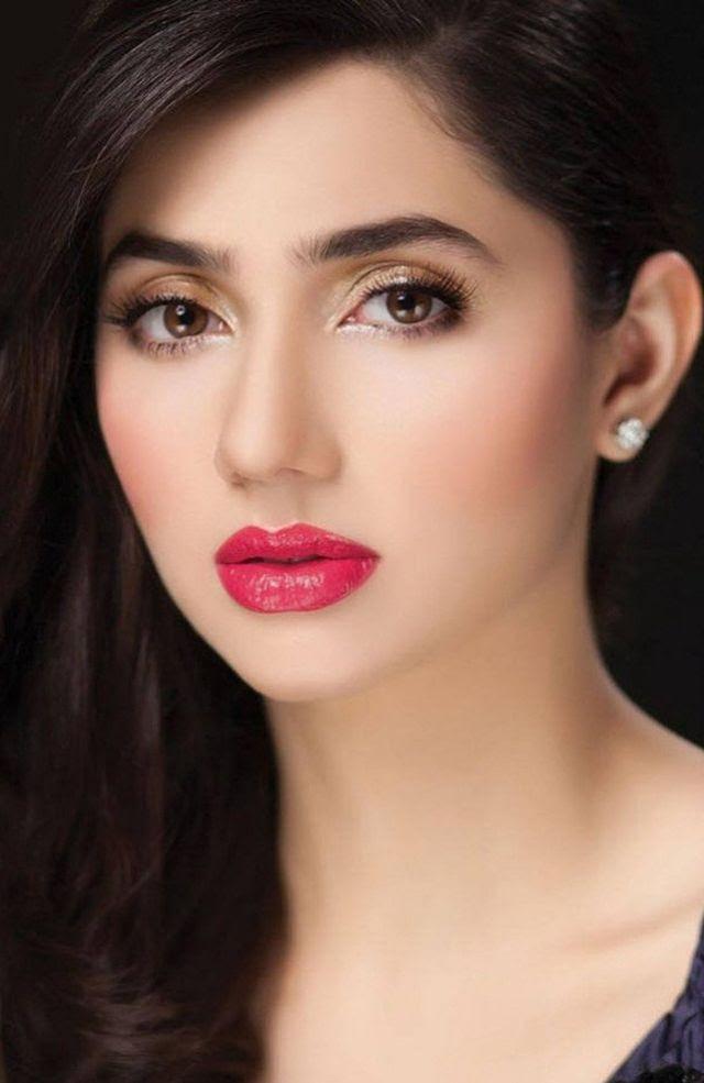 الممثلة الباكستانية الجميلة ماهيرا خان