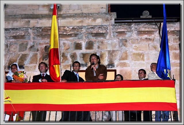 5 Iker Jimenez dando el pregón de comienzo de las Fiestas de Poza de la Sal
